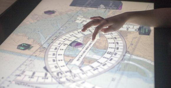 phare_du_cap_ferret_exposition_horizons_voyageurs_salle_de_navigation_5